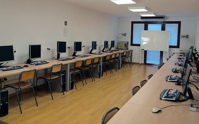 Imagen de la sala de edición 1-PC
