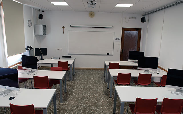 Imagen de la sala de edición 2-MAC